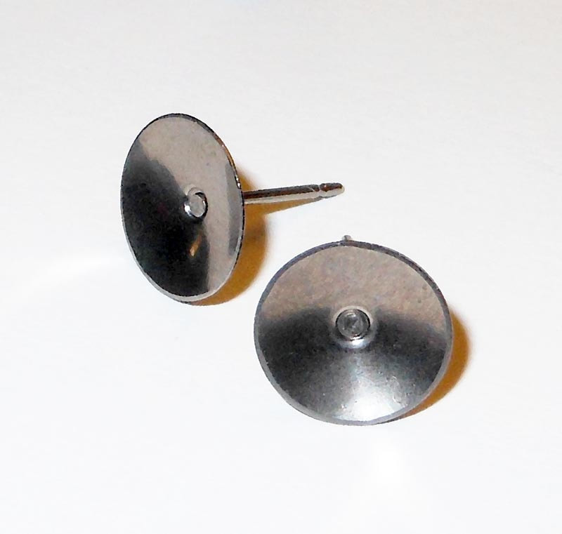 Lightweight Titanium Disc Earrings.jpg